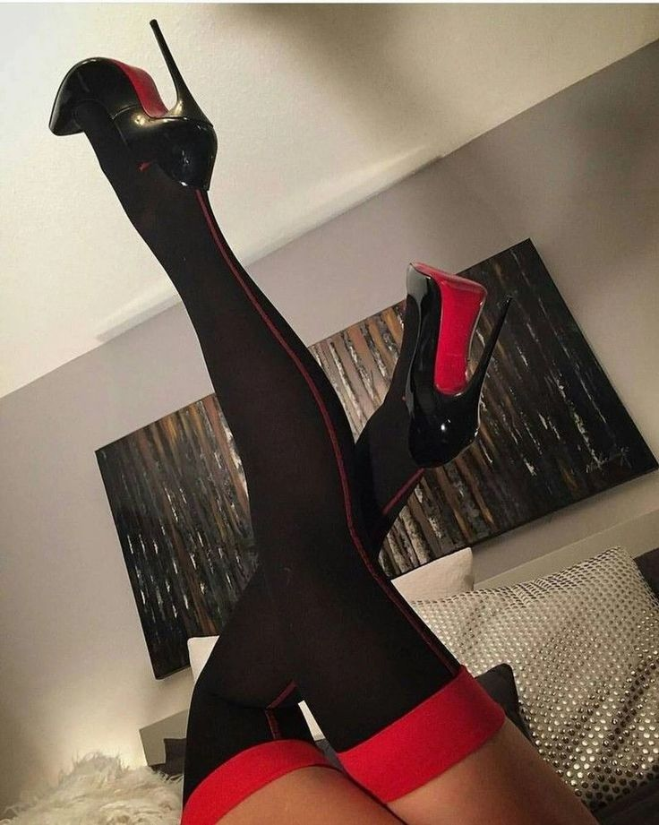#highheelsstockings