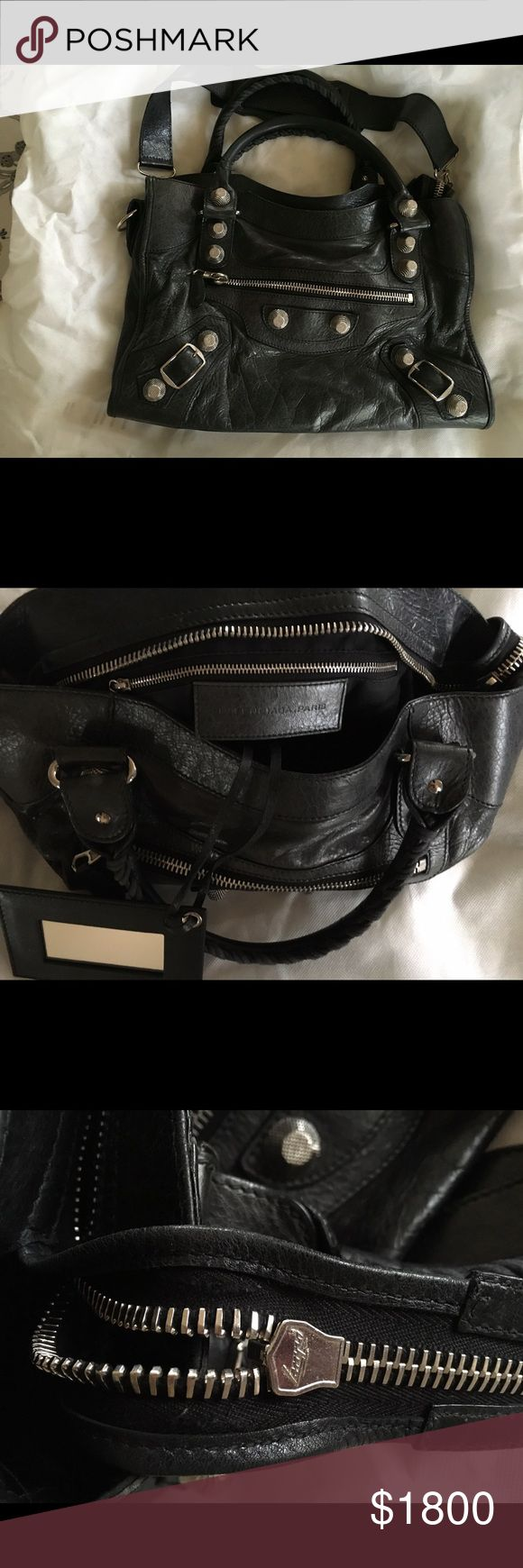 """Balenciaga Authentic Black Giant City Tote Lamb Authentic Balenciaga Giant City  Chic Bag. This bag is in excellent condition. Bag Measures approximately 14.5"""" X 10"""" X 4"""" I have the packaging receipt. Balenciaga Bags"""
