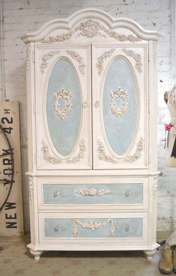 Shabby Chic Bedroom With Dark Furniture Shabby Chic Furniture - Shabby chic bedroom with dark furniture