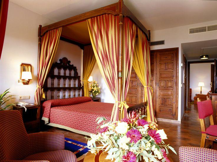 #parador de #tortosa #weddingvenue #bodas con #encanto #habitacion de invitados #noches con #amor