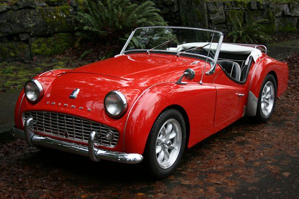 Triumph TR3  Engine: 1991 cc straight-4 or 2138 cc straight-4 Transmission: 4-speed overdrive manual[3] produced by Standard Motors Ltd.
