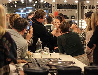 Een make-up workshop voor jezelf, met je moeder, zus of vriendinnen of als uniek vrijgezellenfeestje? Make-up Studio biedt de meest fantastische, professionele make-up workshops!