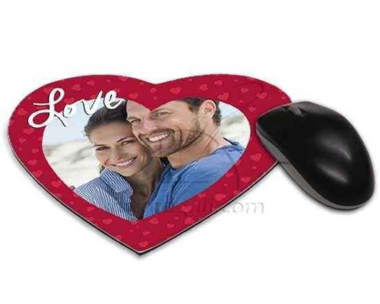 Tappetino mouse cuore con grafica rossa