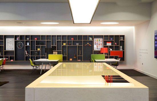 英国最酷办公室:员工可享露天影院室内沙滩(组图)