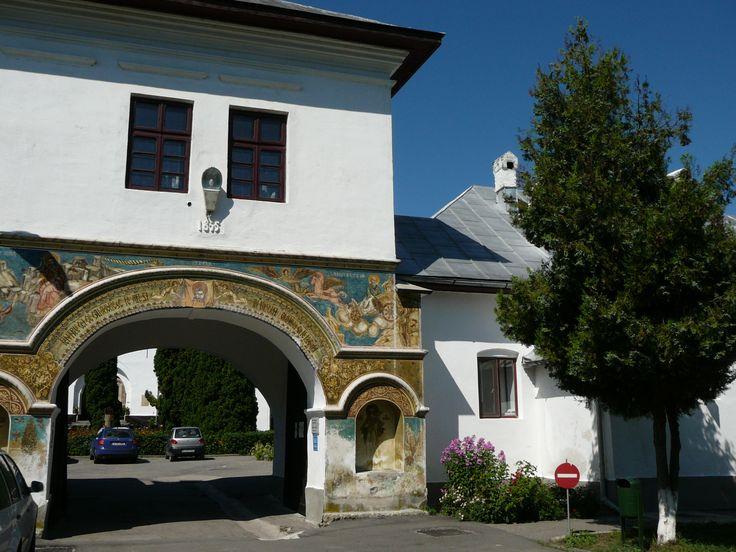 Manastirea Dintr-un Lemn - intrare