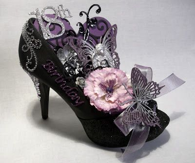 Jordayla: ALTERED SHOE    Thanks Sue Smyth, hope you do not mind that I did a CASE on your altered shoe