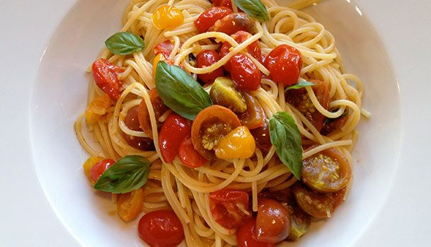 Spaghetti with fresh Tomatoes and Basil.