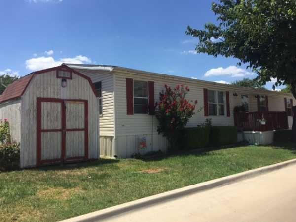 Oakwood Mobile Home For Sale in Grand Prairie TX, 75050