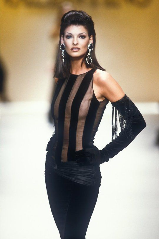 linda evangelista valentino runway 1992 93 linda. Black Bedroom Furniture Sets. Home Design Ideas
