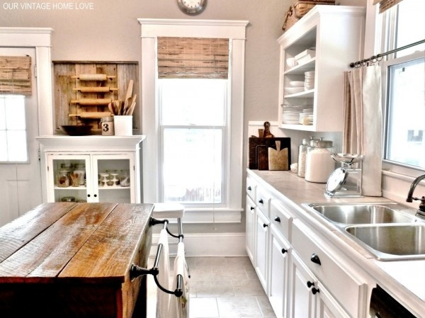 white on wood: White Kitchen, Rolling Pins, Vintage Homes, Farmhouse Kitchens, Kitchen Ideas