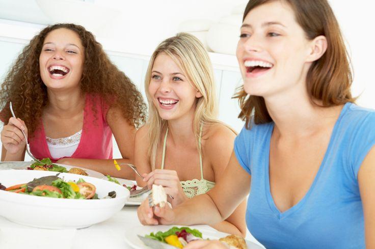 La chrono-nutrition est un régime particulièrement respectueux de l'organisme, puisqu'il suit ses rythmes biologiques, gérés par les cycles d'une hormone appelée cortisone (l'hormone régulant notre métabolisme nutritionnel). Ce régime s'appuie donc sur cette spécificité corporelle, en adaptant notre alimentation afin que la juste quantité d'aliments soit ingurgitée au bon moment. Des paramètres indispensables pour pouvoirRead More