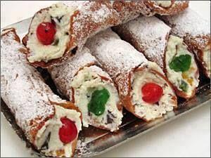 BUONISSIMIIII .....CANNOLI SICILIANI clicca qui x la ricetta --> http://multilink2.blogspot.it/2013/05/cannoli-siciliani.html