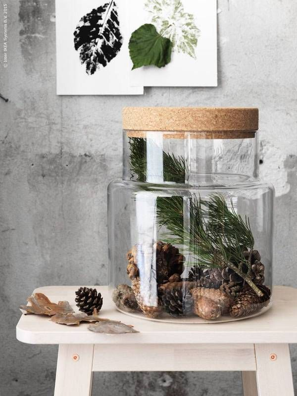 Alternative no-tree Christmas styling ideas | Nordic Christmas styling | pinecones and fir tree