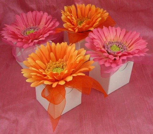 {diy Projects} Gerber Daisy Favor Boxes