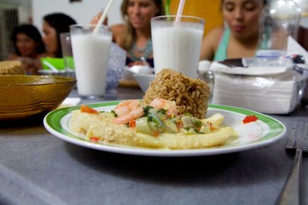 Dinner with locals – the Perez-Cuesta Family in Cartegena Colombia
