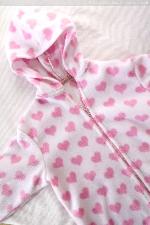 Quick and easy fleece jacket, with free patter, tutorial and video