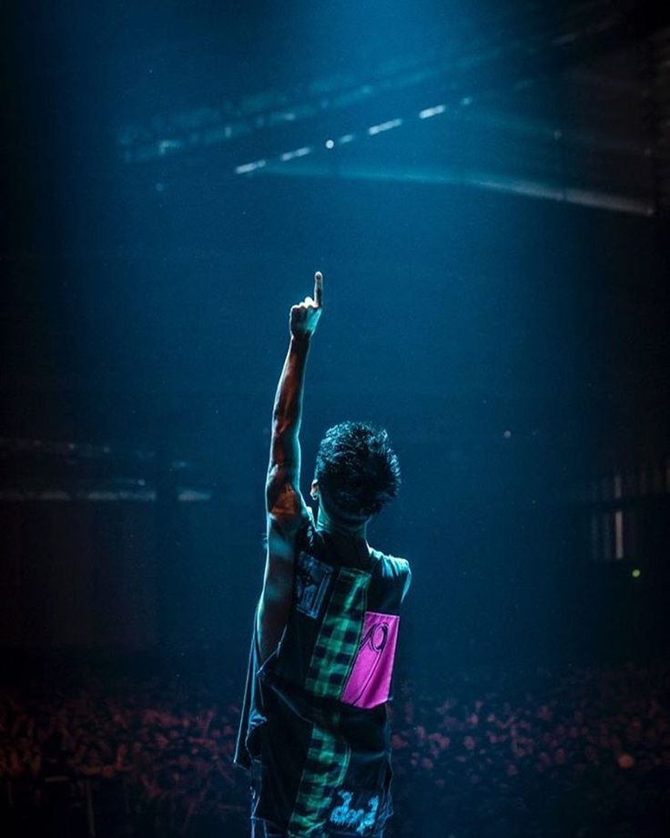 43576 u2015 ONE OK ROCK WORLD 585
