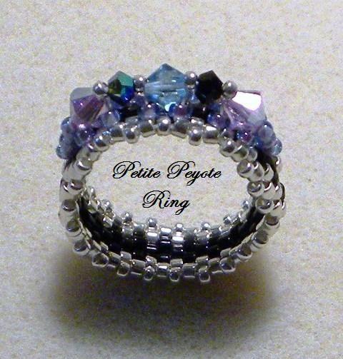 Petite Peyote Ring | JewelryLessons.com