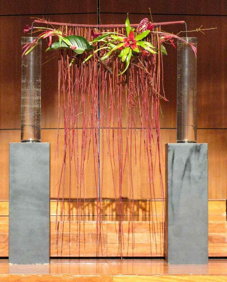 Bart Hassam Design | http://www.floralartsocietyvictoria.org.au/Images/Luncheon/b_1143.jpg