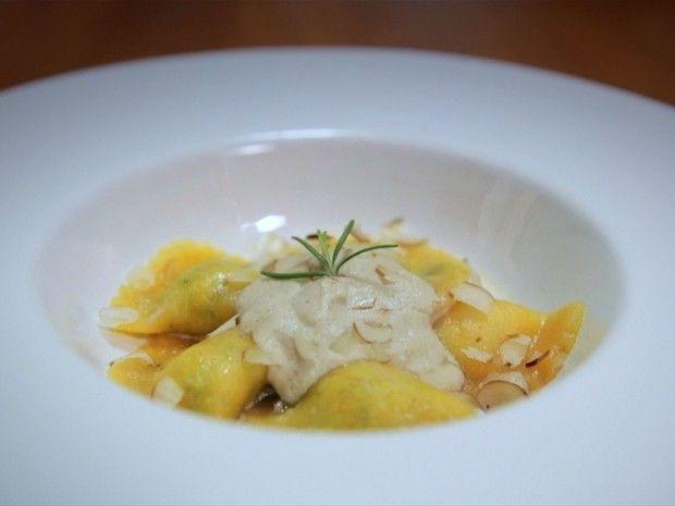 Ravioli amarelo com recheio de tofu: receita da Bela Gil para o Bela Cozinha (Foto: Reproduo/GNT)