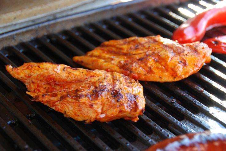 Kyllingebryst i gasgrill – med opskrift på puszta-marinade