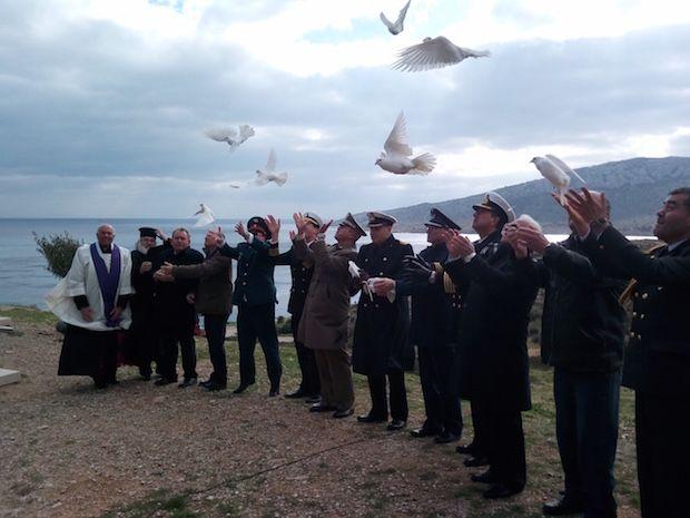 Τιμή και μνήμη στους νεκρούς Ιταλούς στρατιώτες του ναυαγίου του ΟΡΙΑ (video)