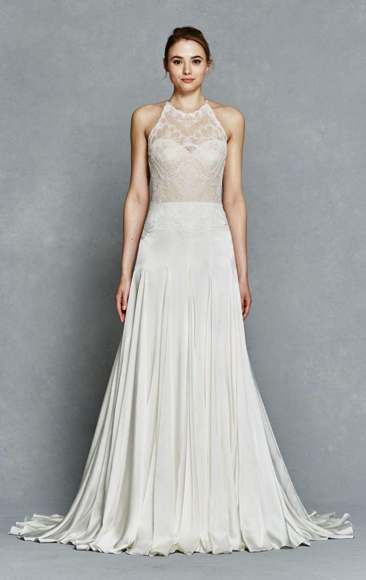 mariage sur la plage - robe de mariée longue avec dentelle