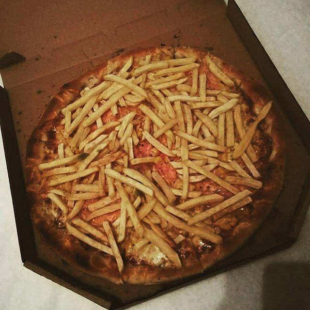 Pizzu USA najdeš v naší nabídce pod číslem 23  www.vosime.cz! #vosimecz #vosime #pizza #pizzas #pizzalover #pizzadelivery #friesonpizza #usa #yummy #goodfood #fries #novyjicin #orlova #frydekmistek #frydek #mistek