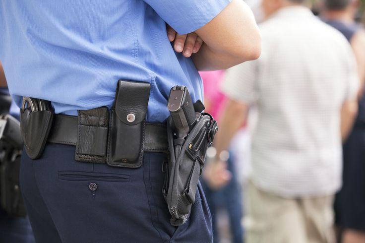 "Police officer shot in the chin, then guns downs perp Sitemize ""Police officer shot in the chin, then guns downs perp"" konusu eklenmiştir. Detaylar için ziyaret ediniz. http://www.xjs.us/police-officer-shot-in-the-chin-then-guns-downs-perp.html"