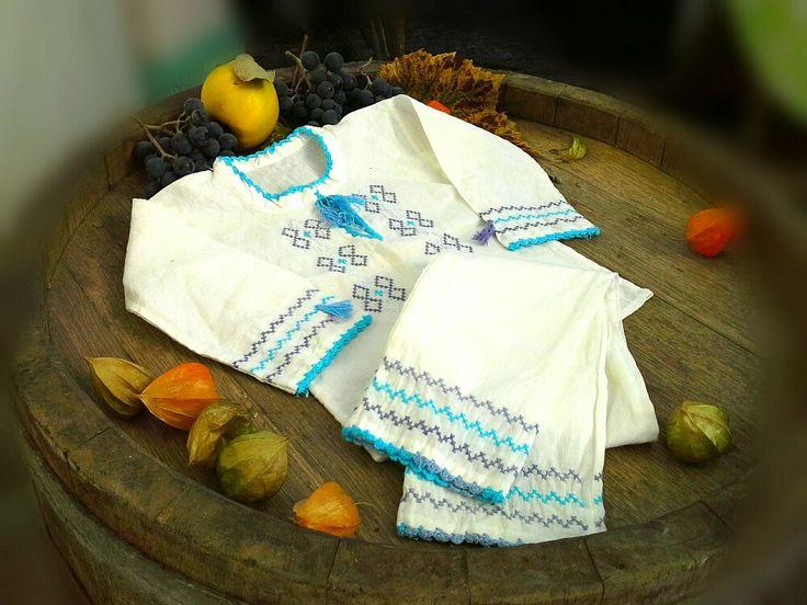 Costumas pentru baietei (160 LEI la Caterine.breslo.ro)
