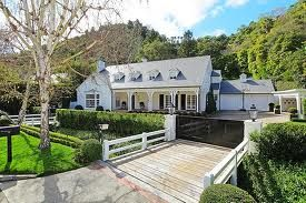 Homes that are designed for your comfort and full of all facilities, are available for sale in Beverly Hills.