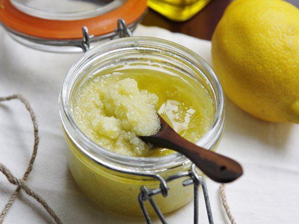 #DIY Lemon Salt Scrub #HomemadeGift