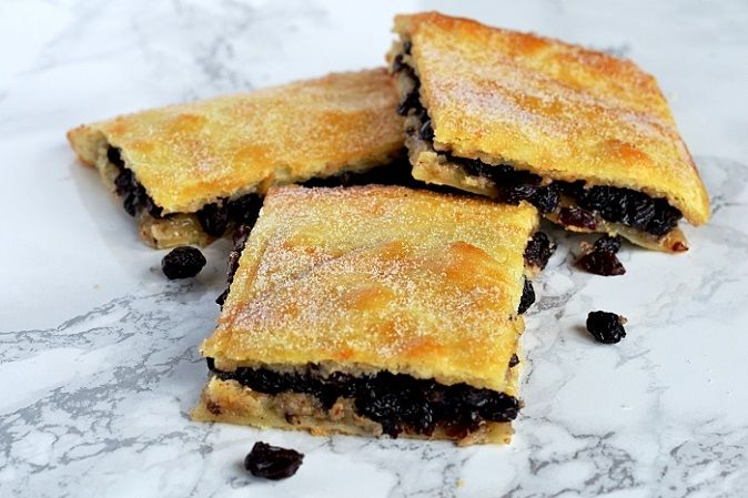 British Traditional Scottish Fruit Slice - Fly Cemetery Recipe