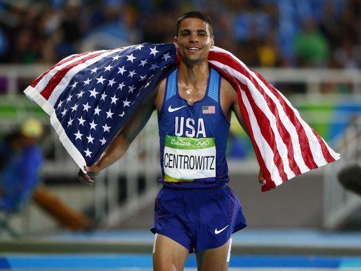 Matthew Centrowitz (USA) celebrates winning the men's