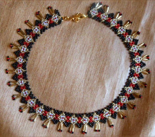 Free pattern for necklace Ivetta