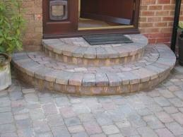 Cobble semi circular step allingham garden pinterest for Circular garden decking