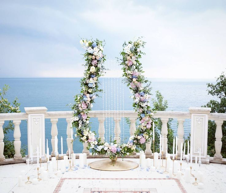 Удивительно,какой разной у всех на фото оказалась наша лира.Светлая и тонкая,насыщенная и большая,внушительная и у некоторых-даже немного грозная.А для меня она с первой мысли и до реализации была такой. P.S. Ждем еще и солнечного варианта от @breslavtsev  Организаторы: @eventstudiopink  Декор: @ales_darya  Флористика: @ludovik_flowers #wedding #weddinginspiration #weddingdecoration #weddingdecor #ceremony #weddingceremony #decoration #decor #flowers #love #ales_darya #noelstudio #свадьба…