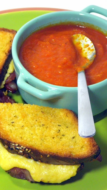 Inspired By eRecipeCards: Italian Tomato Soup (Zuppa di Pomodoro) in a Crock Pot