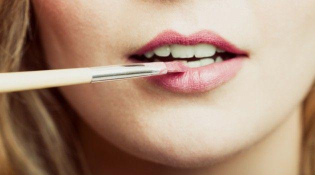 .Blog de Deusa: Como passar batom em lábios finos