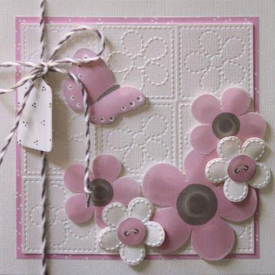 In dit blogbericht zie je 4 kaarten, die allemaal gemaakt zijn met dezelfde embossingmal in combinatie met de Marjoleine-knipvellen met de roze bloemen.