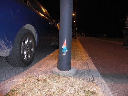 Gnome graffiti stickers:  need.