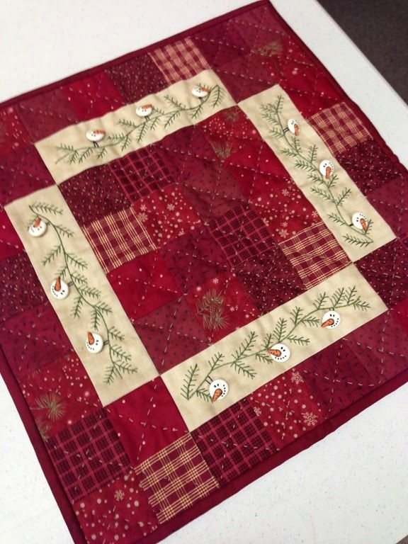 25 best ideas about table toppers on pinterest quilted for Round table runner quilt pattern