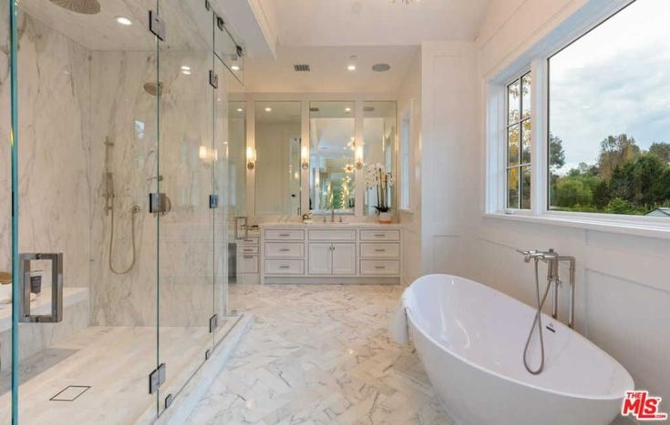 Welcome to our master bathrooms with walk-in showers photo gallery showcasing lots of master bathrooms with walk-in showers of all types.