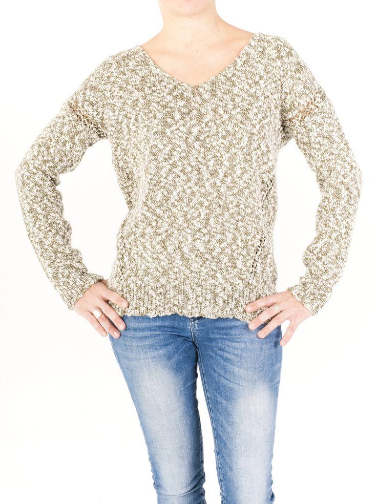 Jersey de punto mujer con cuello de pico y bonito estampado. Perfecto para el invierno. Combinará fácil con tu ropa. Elige el que quieras entre 4 colores.