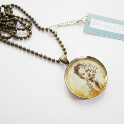 """Allure"" Pendant - Resin - Natural Materials - Necklaces - Jewellery - Online Gift Shop - NewZealand Design & Gifts - Buy NZ Made Presents"