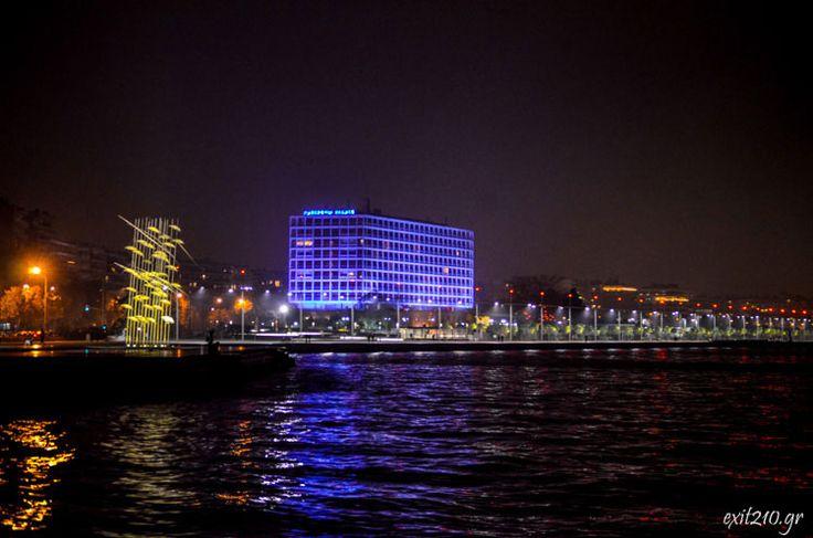 Πρώτες νυχτερινές φωτογραφίες της Νέας Παραλίας της Θεσσαλονίκης