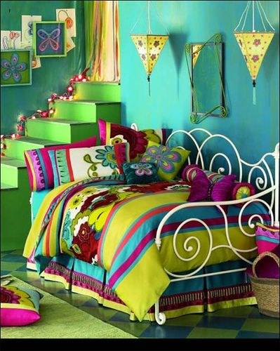 Love the color mix...the Christmas lights following the steps up...green and aqua paint...bed cover and pillows.... This room is just WILD...love it.
