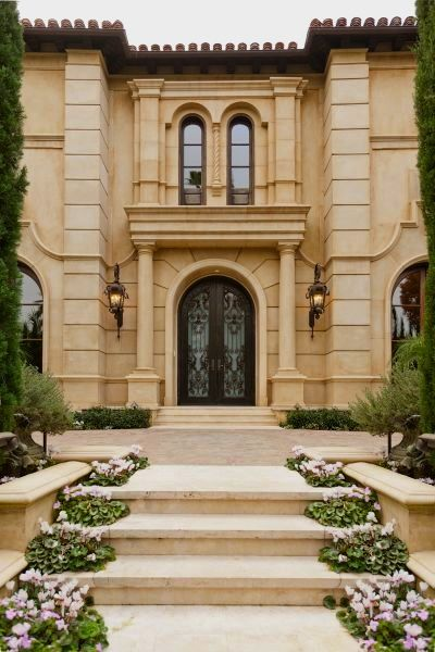 Exterior grand entry tuscan style home in beverly for Tuscan home exterior