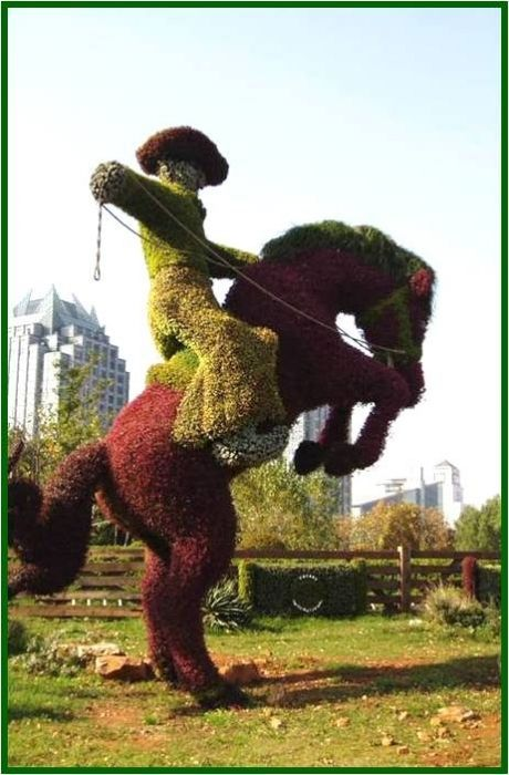Wow this topiary took a lot of work! Love it <3