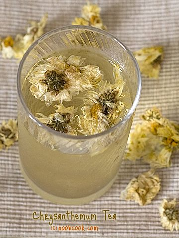 "Chrysanthemum Tea helps when you are fighting a cold or fever. It has ""cooling"" properties that help lower your body temperature."